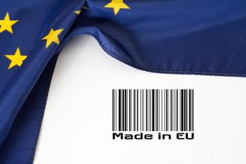Flagge der Europäischen Unionm Barcode und Slogan Made in EU