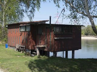 Fischerhütten an  der Donau