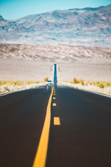 Fototapete - Classic highway scene in Death Valley National Park