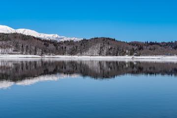 長野県大町市 青木湖の雪景色