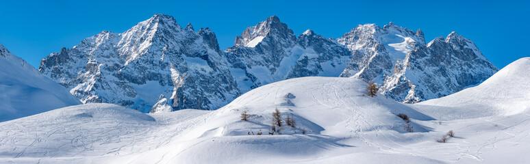 Col du Lautaret, Hautes-Alpes, Ecrins National Park, Alps, France: Panoramic Winter view on the glacier Du Lautaret and glacier de l'Homme with the mountain peaks of Pic Gaspard and La Meije