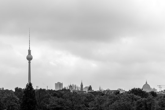 Black and white cityscape photo of Berlin