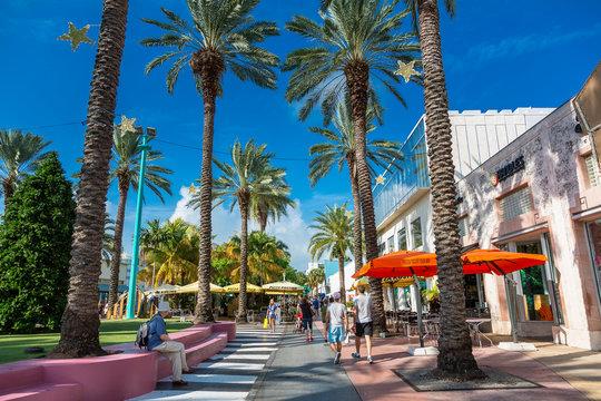 Miami, South beach,  Lincoln Road
