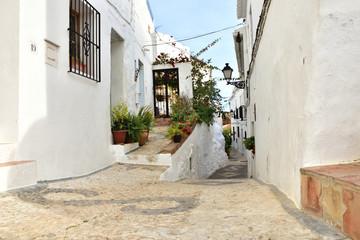 Frigiliana uliczka pueblo blanco