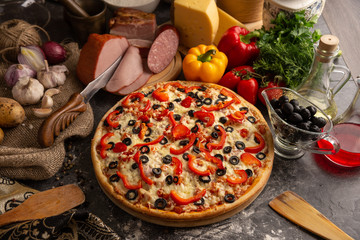 Paprika and meat pizza