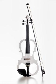 Geige in weiß