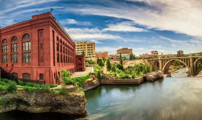 Fotomurales - Washington Water Power building and the Monroe Street Bridge in Spokane