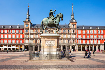 Photo sur Plexiglas Madrid Plaza Mayor is a central plaza in Madrid, Spain