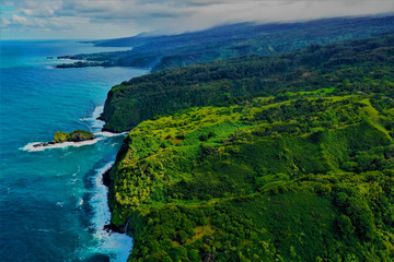 Hawaii von oben - Luftbilder von Maui und Big Island. Bote von oben, Strände und Küsten, Wale von oben und Lavalandschaften