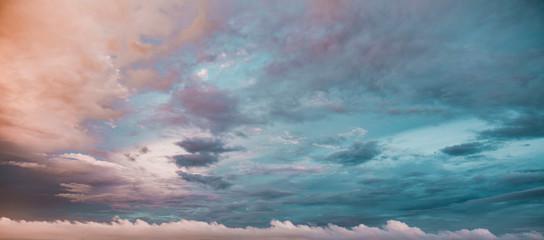 Exotic Deep Teal Blue Sunset Sky Fototapete