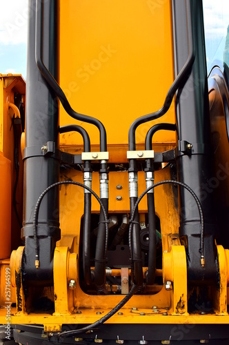 Hydraulic system as part of the loader  Hydraulic rubber