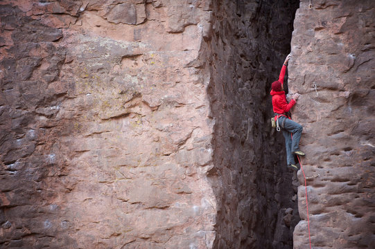 Sean Haverstock climbs Giveaway (10a) in Owens River Gorge, Bishop, California.