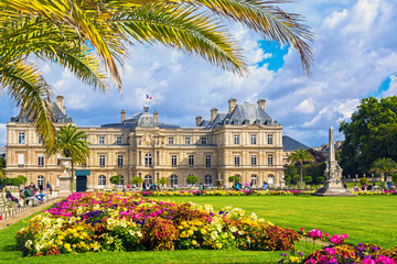 Palace in the Luxembourg Gardens, Paris, France Fototapete