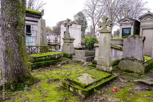 Cimetiere du Pere Lachaise typical french cemetery, Photo