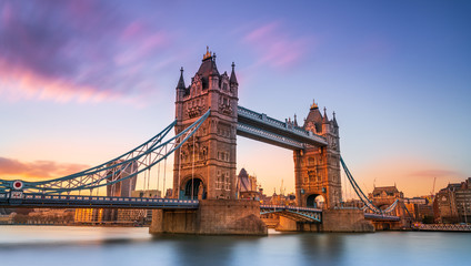 Foto auf Acrylglas London tower bridge in london at sunset London UK March