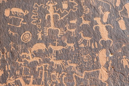 Native American petroglyphs, rock drawings, Newspaper Rock, Newspaper Rock State Historic Monument, Utah, USA, North America