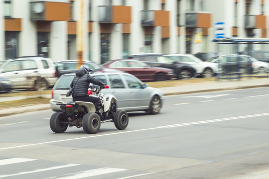 quad bike in city route speed