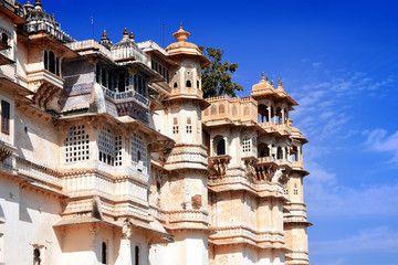 Fototapete - historical architecture of the Maharajah City Palace, Udaipur, Rajasthan, India