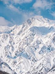 雪山と雲と空の風景イメージ素材