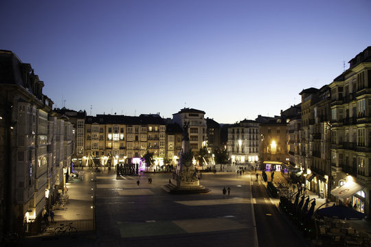 Plaza de la Virgen Blanca en Vitoria-Gasteiz.
