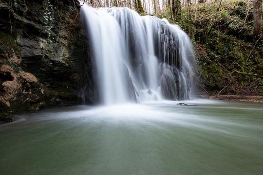 Cascada de Altube en el País Vasco.