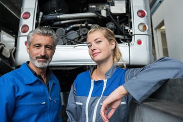motorhome garage mechanic