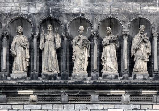 Gallery of saints, Prague
