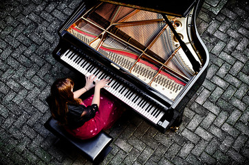 Outdoor classic music