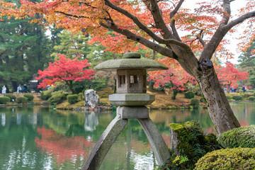 秋の金沢 紅葉の兼六園