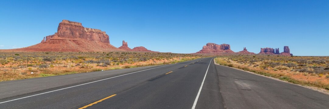 Road to Monument Valley, Navajo Nation, Arizona, USA, North America