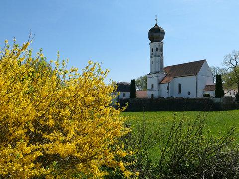 Bayern - Kirche im Münchner Umland