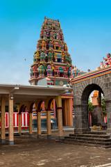 Teilansicht eines hinduistischen Tempels auf Mauritius