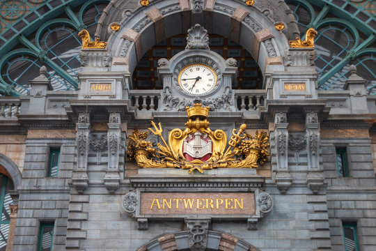 """Clock and """"Antwerpen"""" at Central railway station in Antwerp"""