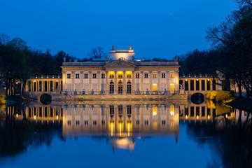 Keuken foto achterwand Wenen Royal Palace on the Water in Lazienki Park at night,Warsaw