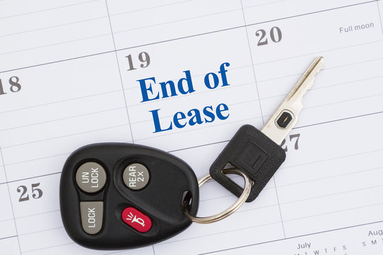 End of lease message with monthly calendar with car keys