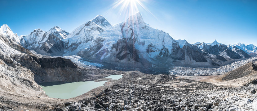 Mount Everest view with sunshine