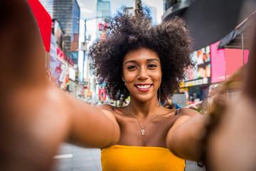 Beautiful woman in New York Wall mural
