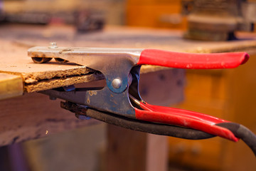 red welding clips weight