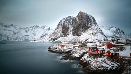 verschneites Hamnoy am Polarkreis