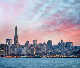 Wall Mural - San Francisco skyline at dusk, California - USA