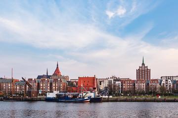Blick auf den Stadthafen in Rostock