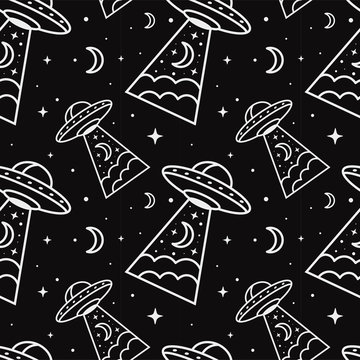 Seamless Pattern With UFO in the night sky. Flying Saucers. Black background.