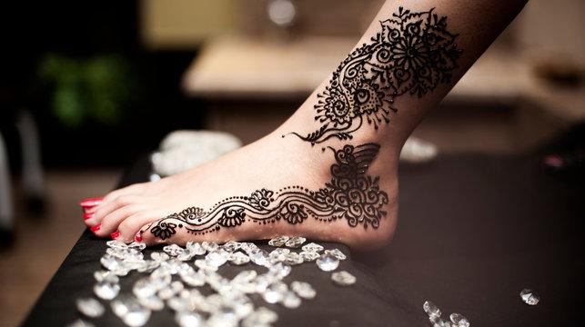 Indian Pakistani Bride Mehndi Henna On Foot