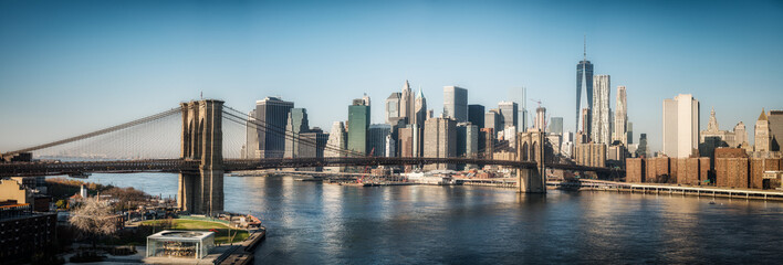 Fototapete - Brooklyn bridge and Manhattan at sunny day, New York City, USA