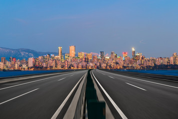 Fototapete - vancouver empty highway