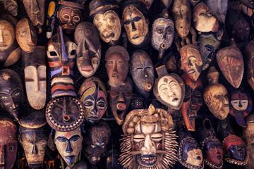 masque ethnique africain décoratif