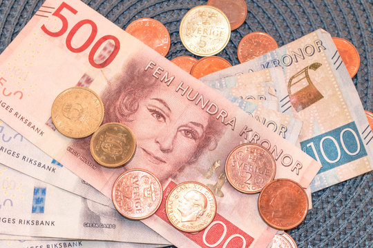 different swedish  money /crowns / currency