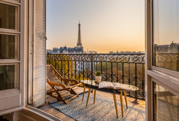 Photo sur Toile Paris beautiful paris balcony at sunset with eiffel tower view