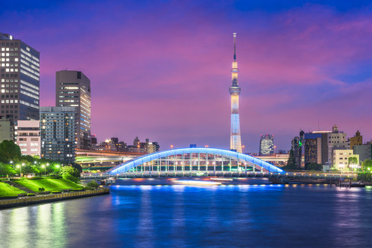 Tokyo, Japan skyline on the Sumida River at night.