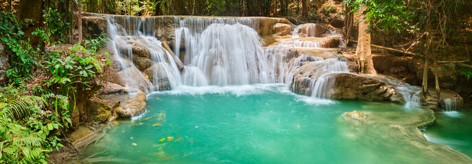 Deurstickers Watervallen Beautiful waterfall Huai Mae Khamin, Thailand. Panorama